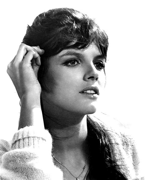 Katharine Ross Weight Height Ethnicity Hair Color Shoe Size