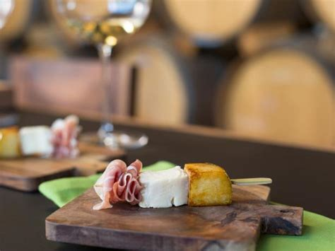 Pear, Brie and Prosciutto Skewers Recipe | Haylie Duff
